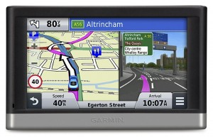 garmin ou tomtom quel gps voiture choisir en 2015. Black Bedroom Furniture Sets. Home Design Ideas